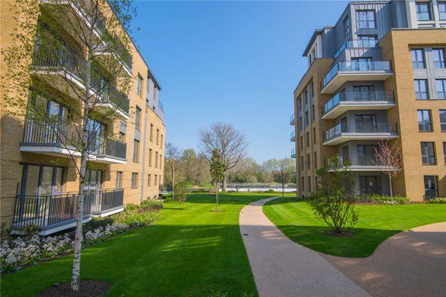 Thumbnail Flat to rent in Broom Road, Teddington, Middlesex, UK