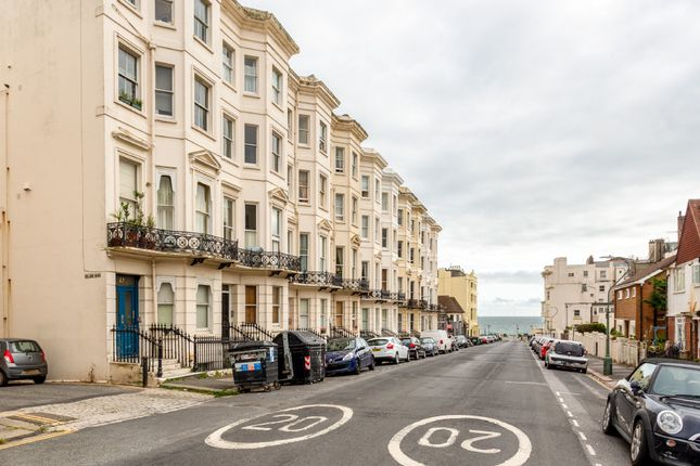 1 bed flat for sale in Holland Road, Hove BN3