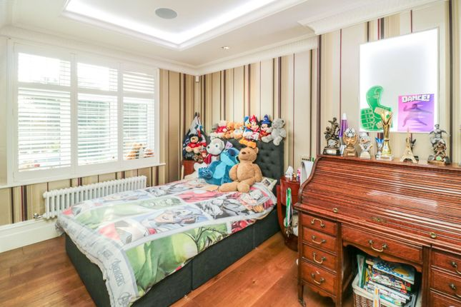 Bedroom Three of Firtree Walk, Enfield EN1
