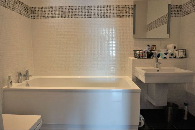 Bathroom of Cary Road, Torquay TQ2