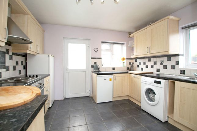 Kitchen of Ambrook Road, Reading RG2