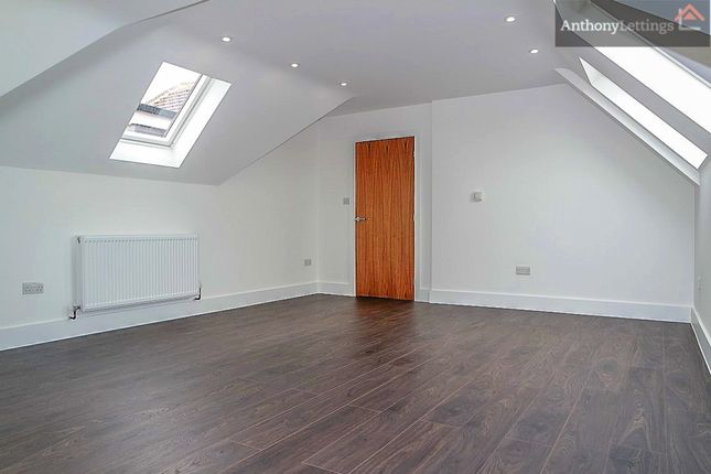 Thumbnail Flat to rent in Southgate Road, Potters Bar