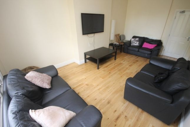 Thumbnail Terraced house to rent in Clarendon Road, Leeds