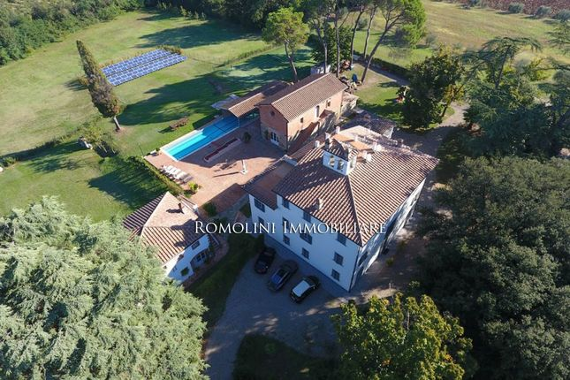 Arezzo: Manor Villa For Sale With Park And Pool