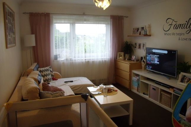 Flat for sale in Lawrence Court, Northampton