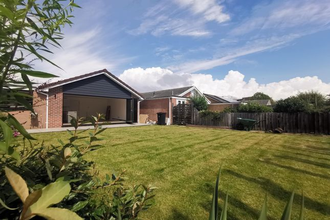 Thumbnail Bungalow to rent in Cunningham Close, Mudeford, Christchurch