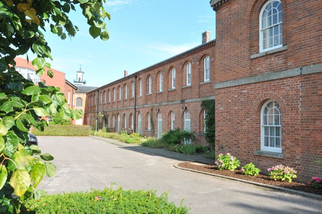2 bed town house for sale in Dartington Walk, Exminster, Exeter EX6