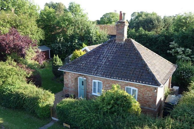 Thumbnail Cottage for sale in The Street, Hepworth, Diss