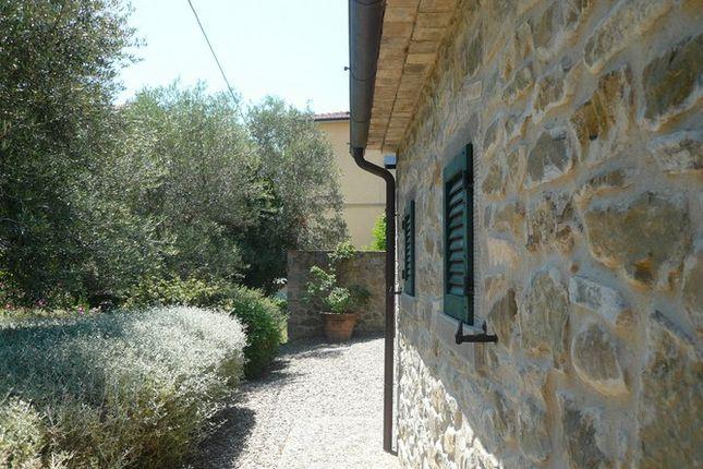 Side View of Casa Porto, Tuoro Sul Trasimeno, Umbria