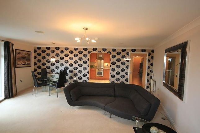 Thumbnail Flat for sale in Blakes Quay, Gas Works Road, Reading