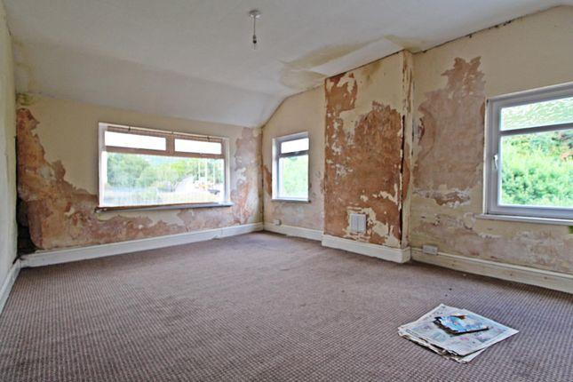 Room 3 of Llewellyn Street, Pontygwaith, Ferndale, Rhondda Cynon Taff CF43