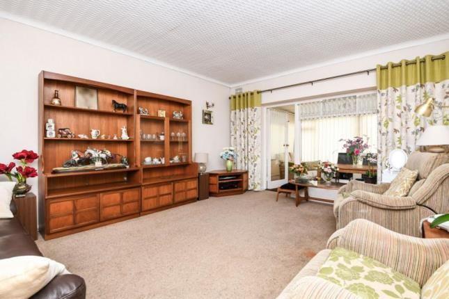 Picture No.02 of Fairview Avenue, Rainham RM13