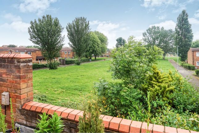 Thumbnail Maisonette for sale in Little Garth, Basildon