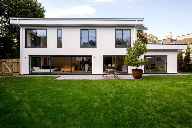 Picture No. 08 of The Bauhaus, 3 Winchester Close, Kingston KT2