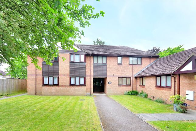 Thumbnail Flat for sale in Stewart Close, Abbots Langley