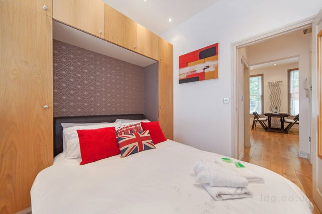 Thumbnail Flat to rent in Theobalds Road, Bloomsbury, London