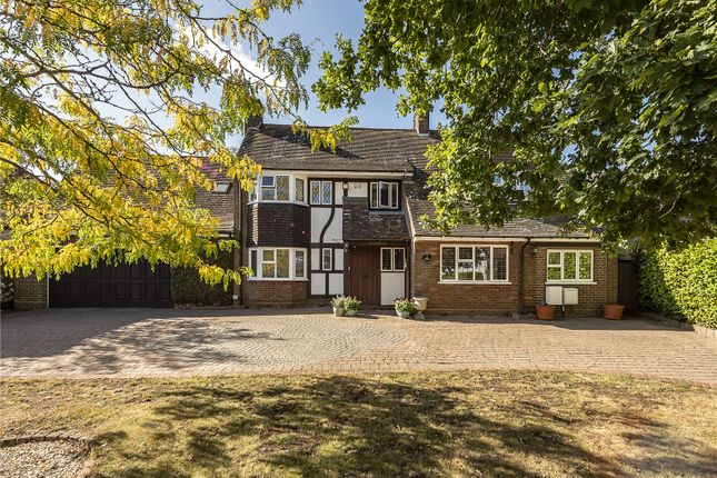 Picture No. 36 of Wood End Road, Harpenden, Hertfordshire AL5