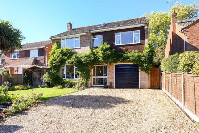 Thumbnail Detached house for sale in Carlyon Close, Farnborough, Hampshire