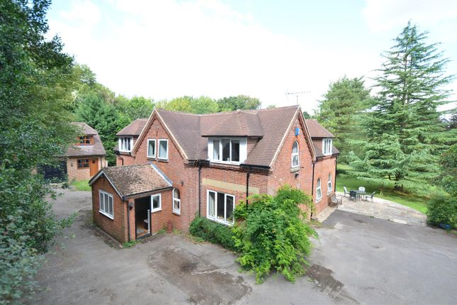 Thumbnail Country house for sale in Aldon Lane, Offham, West Malling