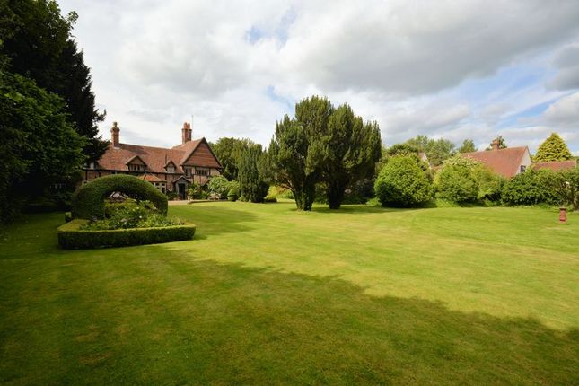 Thumbnail Detached house for sale in Main Road, East Hagbourne, Didcot