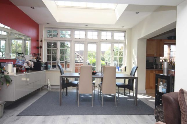 Thumbnail Town house for sale in Drovers Mead, Warley, Brentwood