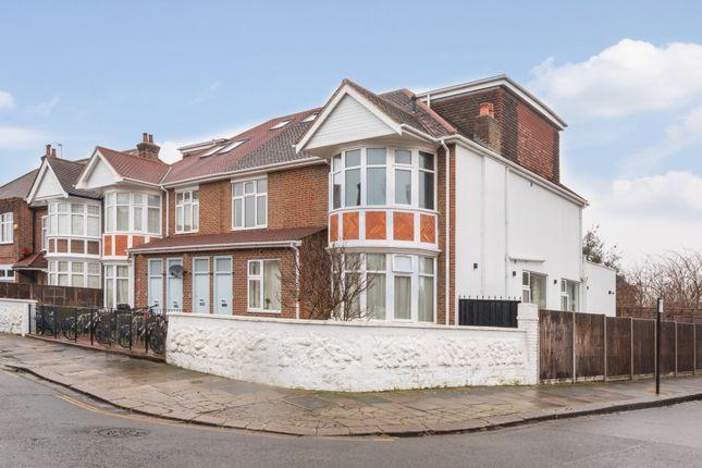Thumbnail Flat for sale in Kingsbridge Avenue, London