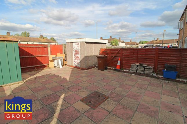 Garden (10) of Monarch Close, Tilbury RM18