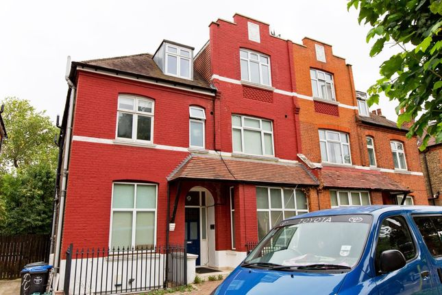 Thumbnail Flat to rent in Chatsworth Road, Mapesbury, London