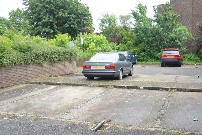 Parking/garage for sale in Augustus Close, Brentford