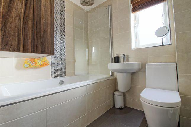 Family Bathroom of Rib Way, Buntingford SG9