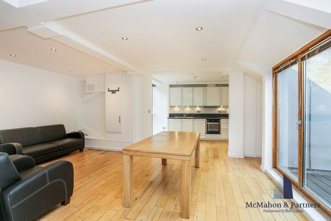2 bed flat to rent in Magdalen Street, London