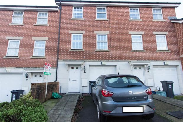 Thumbnail Shared accommodation to rent in Flavius Close, Caerleon, Newport