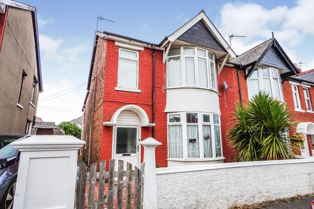 2 bed flat for sale in Park Avenue, Porthcawl CF36