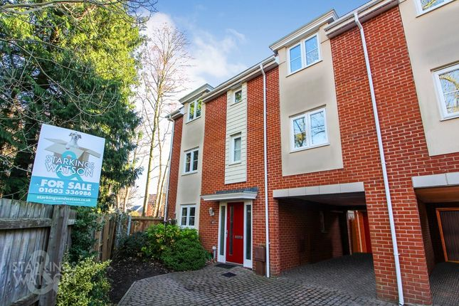 Thumbnail Town house for sale in Silvo Road, Queens Hill, Costessey, Norwich