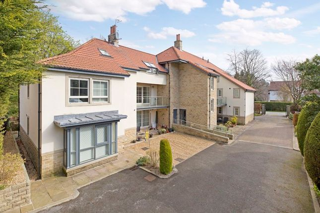 Thumbnail Flat for sale in Grove Road, Ilkley