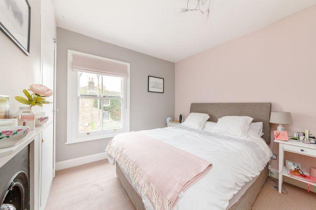Bedroom of Rushett Close, Thames Ditton KT7