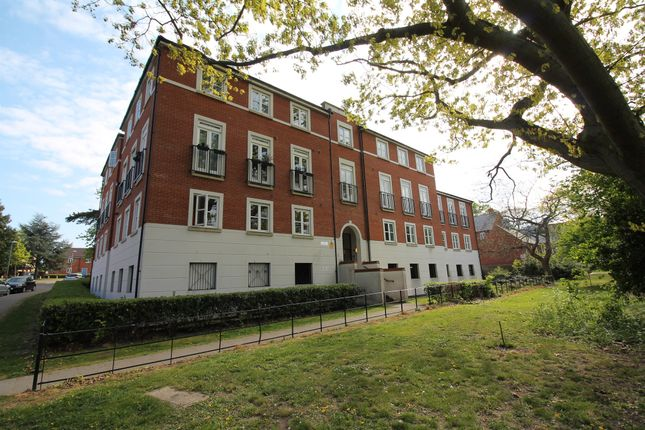 2 bed flat for sale in Circular Road South, Colchester