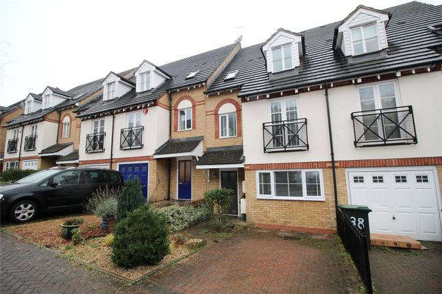 Thumbnail Terraced house to rent in Pickard Close, London