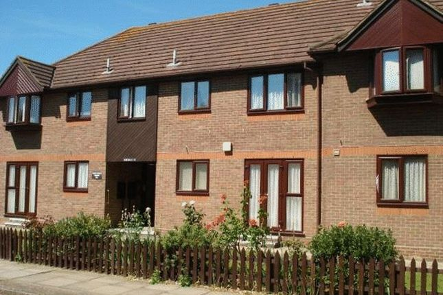 Thumbnail Flat to rent in Mawney Road, Romford