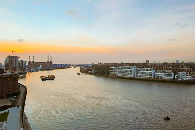Thumbnail Flat to rent in 1 St. George Wharf, London