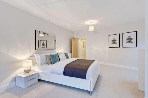 Thumbnail Flat for sale in Grand Union, London