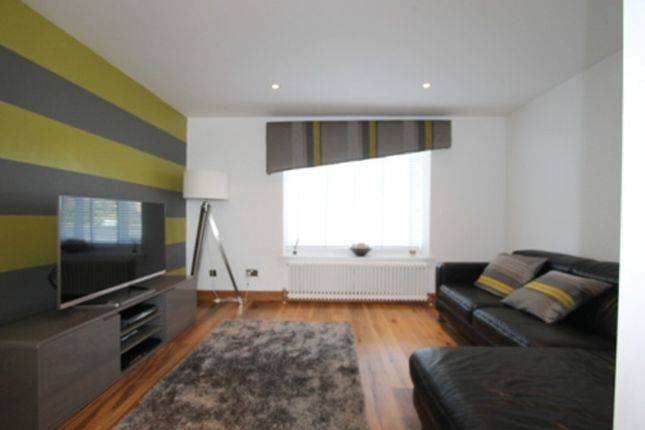 Thumbnail Flat to rent in Broughton Road, Summerston, Glasgow