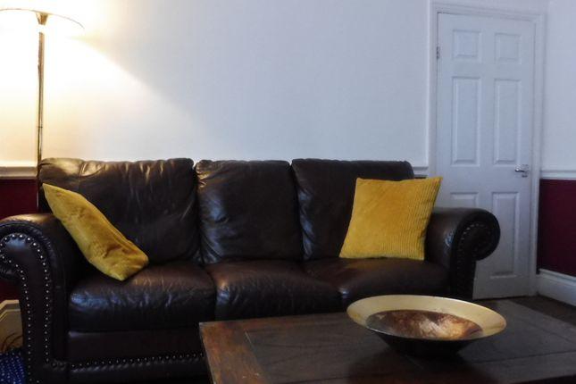 Lounge of Rowms Lane, Swinton S64