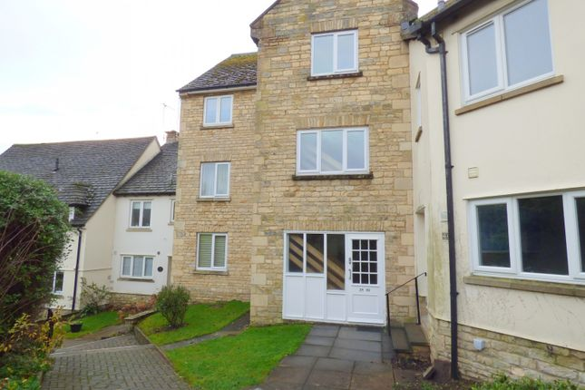Thumbnail Flat to rent in Warrenne Keep, Stamford, Lincolnshire