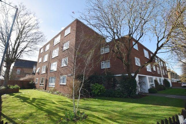 Thumbnail Flat to rent in Sandways, Sandycombe Road, Kew, Richmond