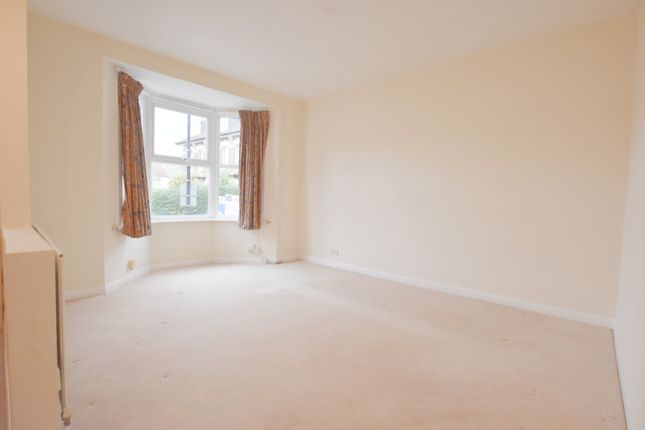Thumbnail Maisonette to rent in Oval Road, Addiscombe, Croydon