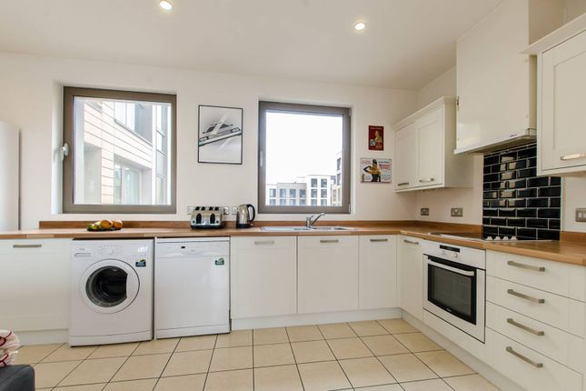 Thumbnail Flat for sale in Oak Square, Stockwell