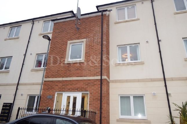 Thumbnail Flat for sale in Darran House, Golden Mile View, Newport, Newport.