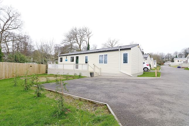 Thumbnail Mobile/park home for sale in Greenacre, Ivyhouse Lane, Hastings