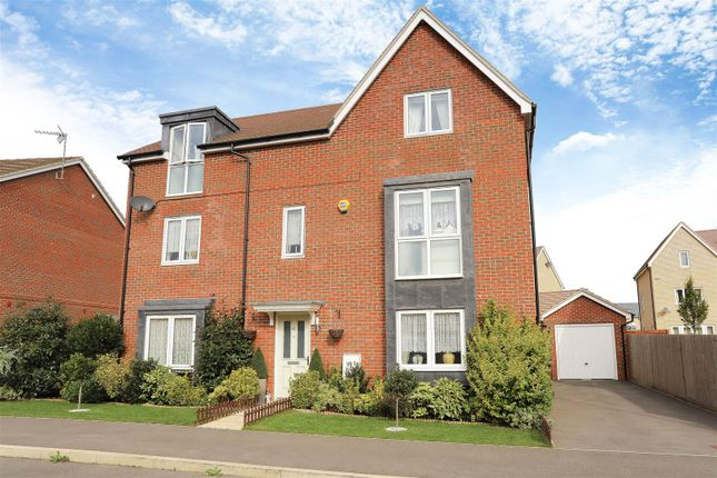 Thumbnail Property for sale in Greensleeves Drive, Aylesbury